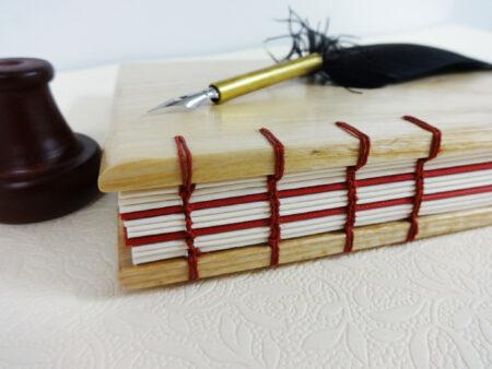 Libro de madera de haya