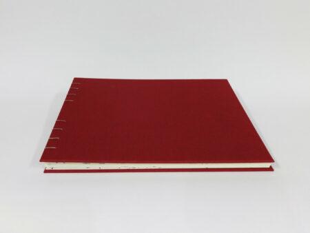 Libro en tela granate