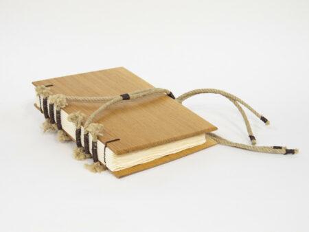 Libro de madera de roble - portada