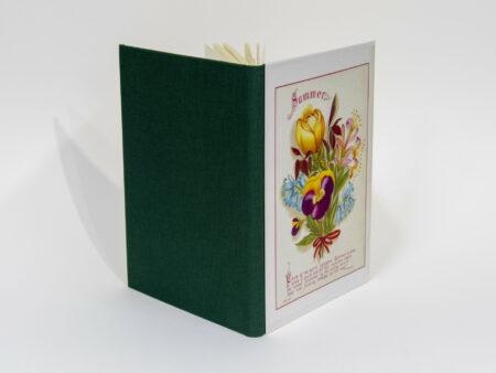 Vista de las portadas delantera y trasera del libro Summer
