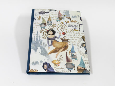 Libro en blanco con portada de Blancanieves - Vista portada